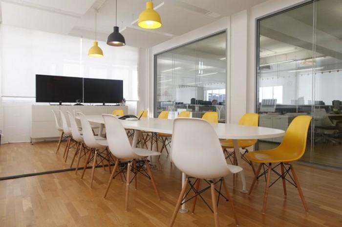 las mejores salas de reuniones del momento. Black Bedroom Furniture Sets. Home Design Ideas